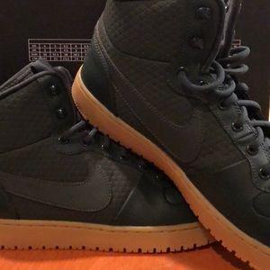 Men's Dark Green Nike Ebernon Mid Shoes